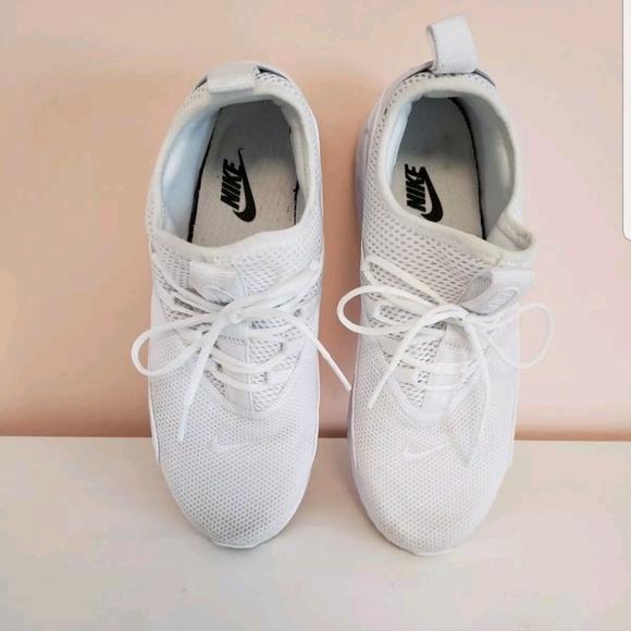 Nike Wmns Air Max 90 EZ Ease Triple White. M 5ba795fe9fe486a30db32ad8 8bcbba280